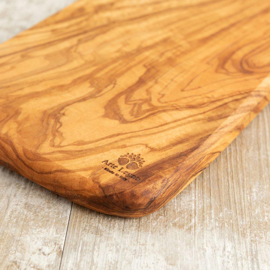 Tagliere fatto a mano in legno di ulivo   Arte Legno