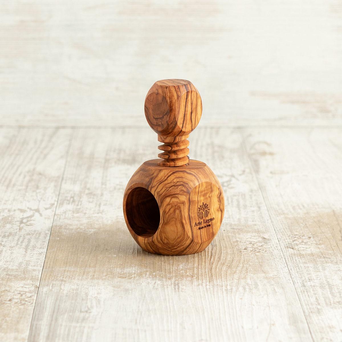 Schiaccianoci in legno di ulivo | Arte Legno