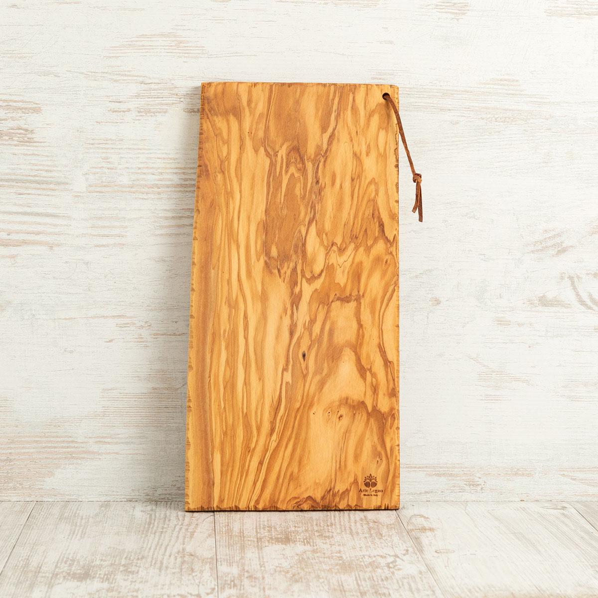 Tagliere con lato seghettato in legno di ulivo | Arte Legno