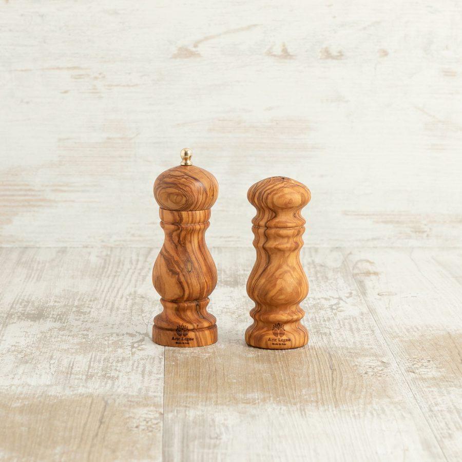 Saliera e macina pepe in legno di ulivo   Arte Legno
