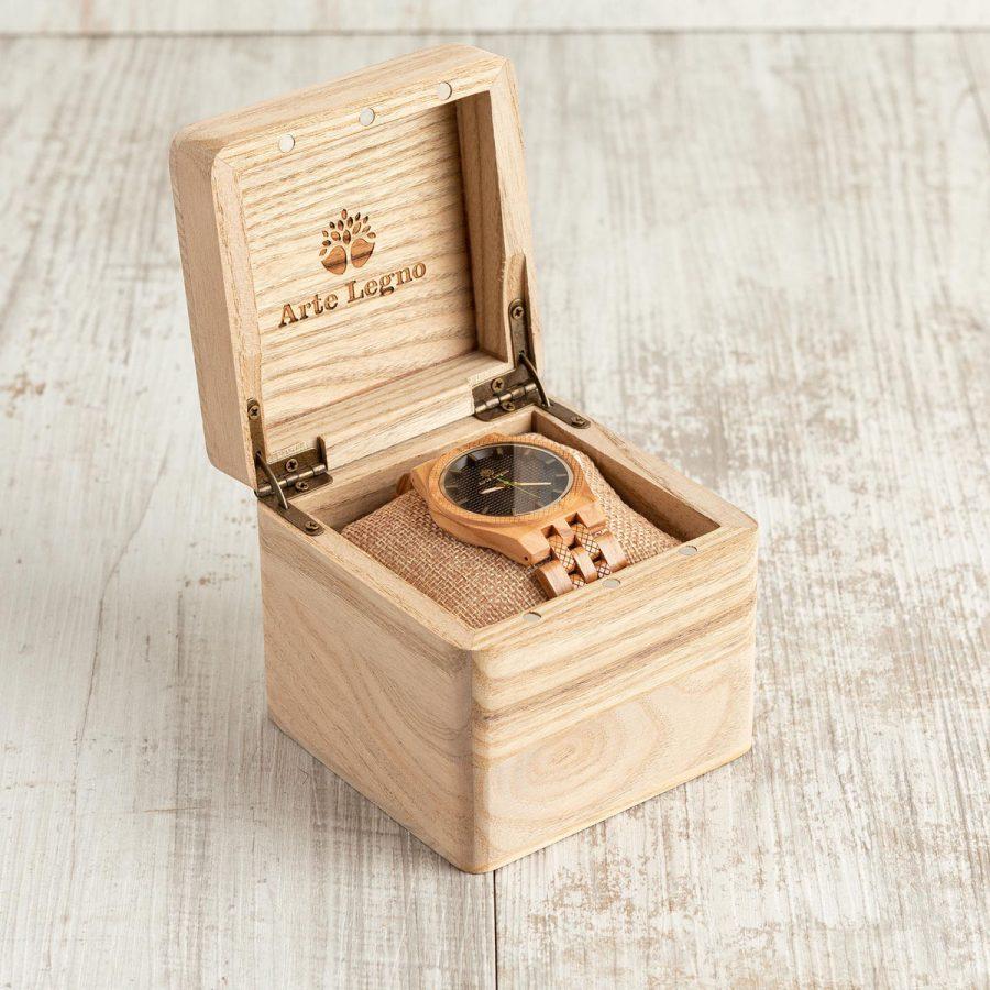 tk17 Orologio in legno di ulivo